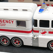 Carrera Digital 132 Carrera Ambulance Krankenwagen inkl. Figur 30943