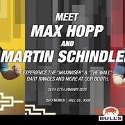 Zur Vorstellung der Bulls NL 2020 Dart Collection Launch waren auch max Hopp und Martin Schindler auf dem Stand der Ispo 2020 in München