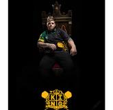 Im Thron wartet Corey Cadby King auf seine Steel Darts Steeltip 21 g und 23 g Soft Darts Softtip 18 g 2018