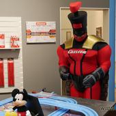 Captain Carrera wird zum 3 jährigen an der 1.First Carrera und jagt den Mario in seinem Kart um die Bahn