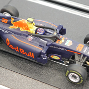 Carrera GO!!! / GO!!! Plus Aston Martin Red Bull Racing RB14 Max Verstappen Nr.33 Art.Nr. 64144 / 20064144