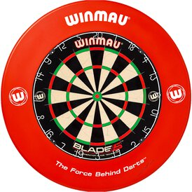 Winmau Blade 5 Bristle Dart Board und Surround Rot...
