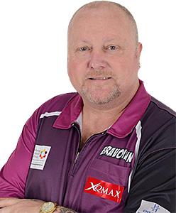 Dart Spieler Andy Hamilton XQMax Darts