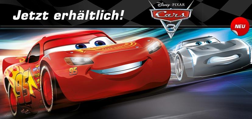 """Rookie Jackson Storm möchte dem Helden Lightning McQueen im neuen """"Disney/Pixar Cars 3"""" den Rang ablaufen - aber hat er auch auf der Carrera Rennbahn das Zeug zum Sieger?"""